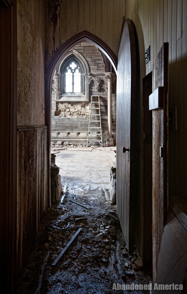 St. Peter's Episcopal Church (Germantown, PA) | Side Door - St. Peter's Episcopal Church