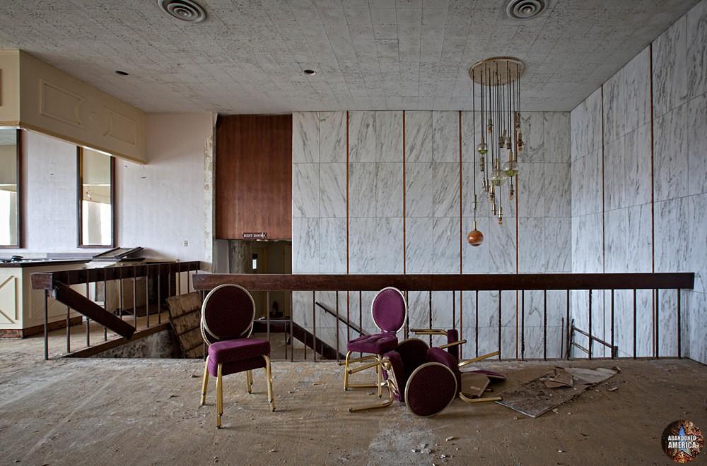 Outside of Ballroom, Fallside Hotel (Niagara Falls, NY)   Abandoned America