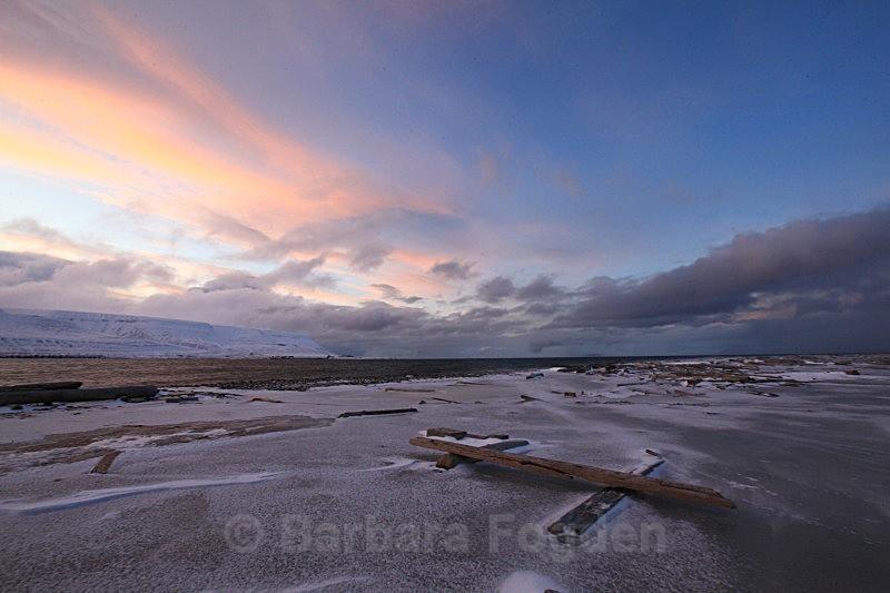 Hiorthamn 3045 - The daylight returns