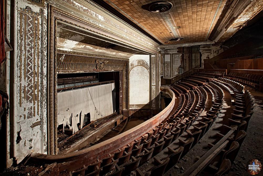 Victory Theatre (Holyoke, MA)   Abandoned America
