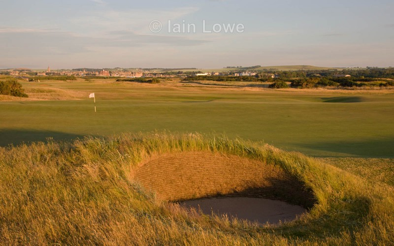 Old Course 8th greenside bunker par 3 - St Andrews Old Course Hole-by-Hole