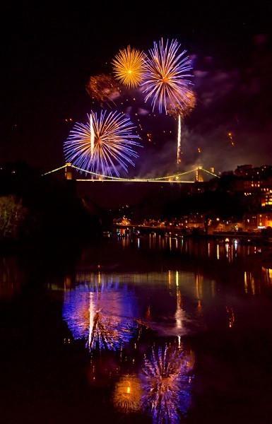 Clifton Suspension Bridge 150th Anniversary fireworks - Clifton Suspension Bridge