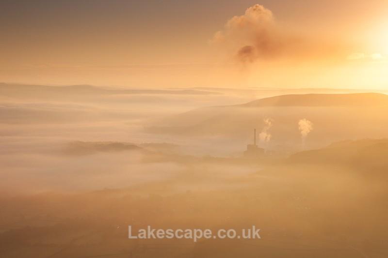 Mist & Smoke 2259 - The Peak District