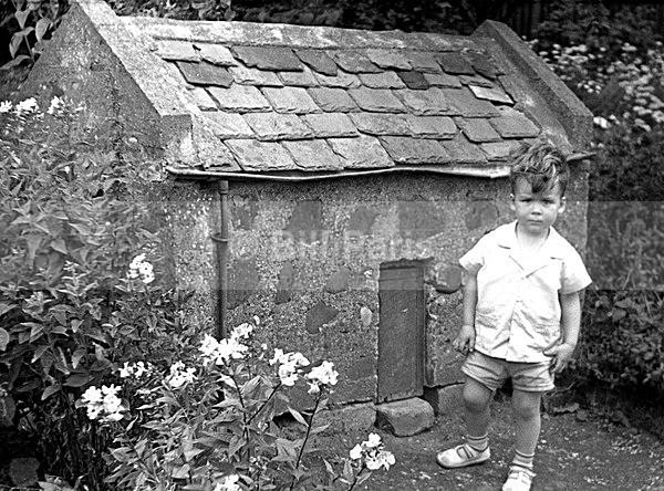 Tom Thumb House Millheugh Larkhall - Archive.