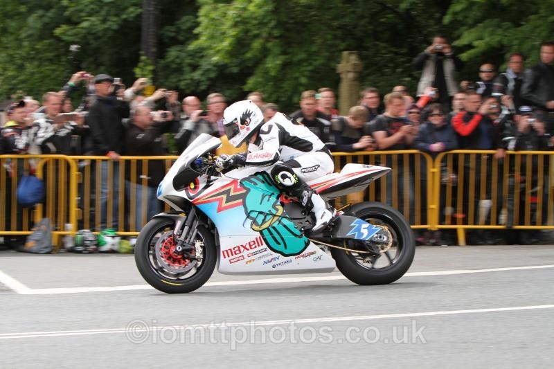 Bruce Anstey Shinden San / Team Mugen - SES TT Zero
