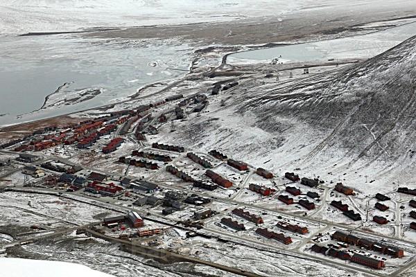 Longyearbyen 6676 - Autumn