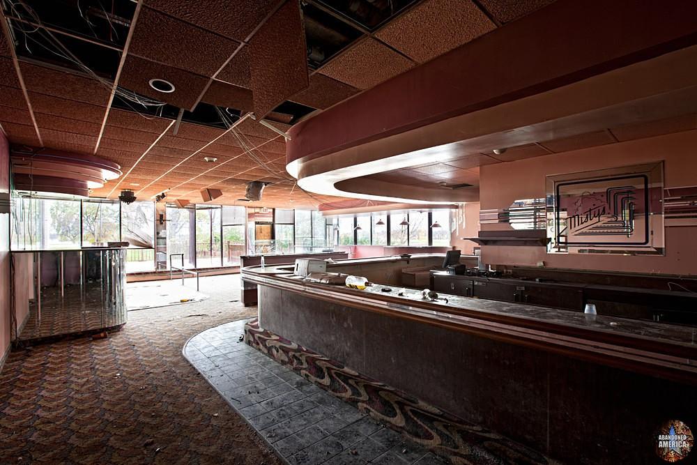 Misty's Bar, Fallside Hotel (Niagara Falls, NY) | Abandoned America