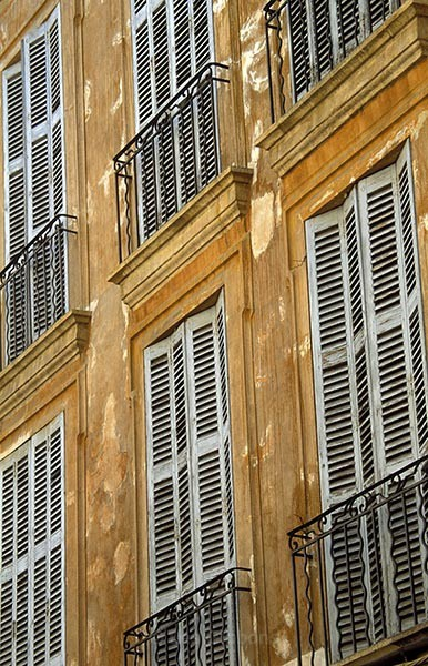 shutters1 - Provence
