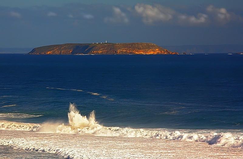 Althorpe Island & Wave - WATER - SALT OR FRESH PHOTOS