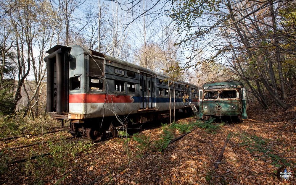 Trolley Graveyard | 1949 St. Louis Streamliner SEPTA Car - The Trolley Graveyard