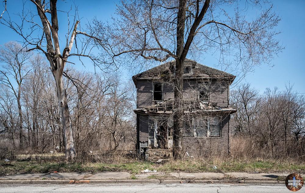 Gary, Indiana   Lurking - Gary, Indiana