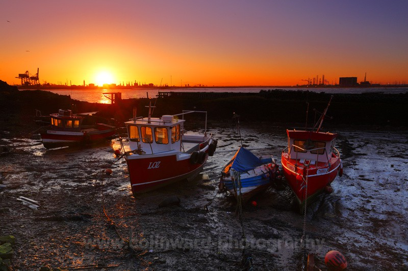 Waiting for the tide, South Gare, Redcar.           ref 1540 - North Yorkshire and Cleveland