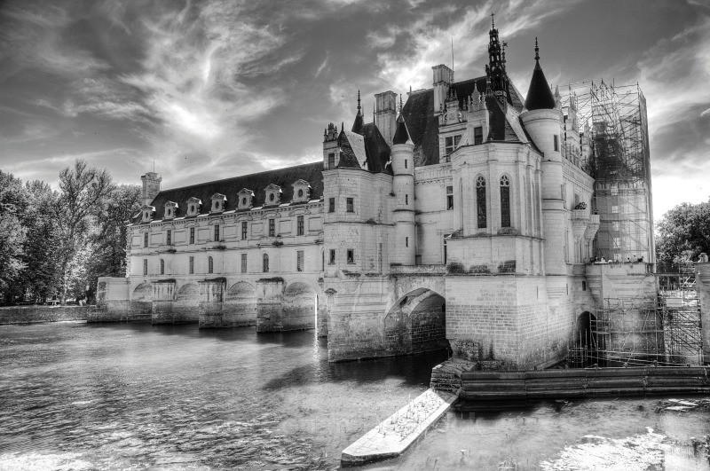 Chateau de Chenonceau (B&W) - Ruins and Not So Ruined